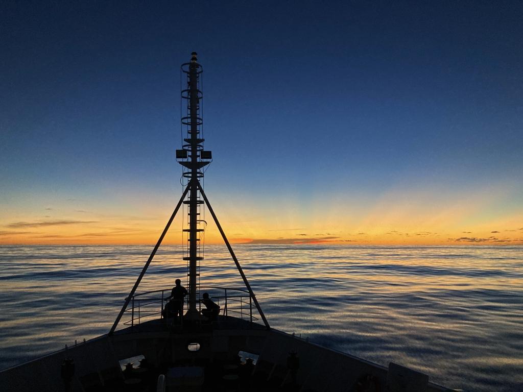 众筹书籍《海洋测绘十年》