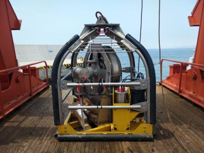 第一次独立使用海洋静力触探仪器CPTU